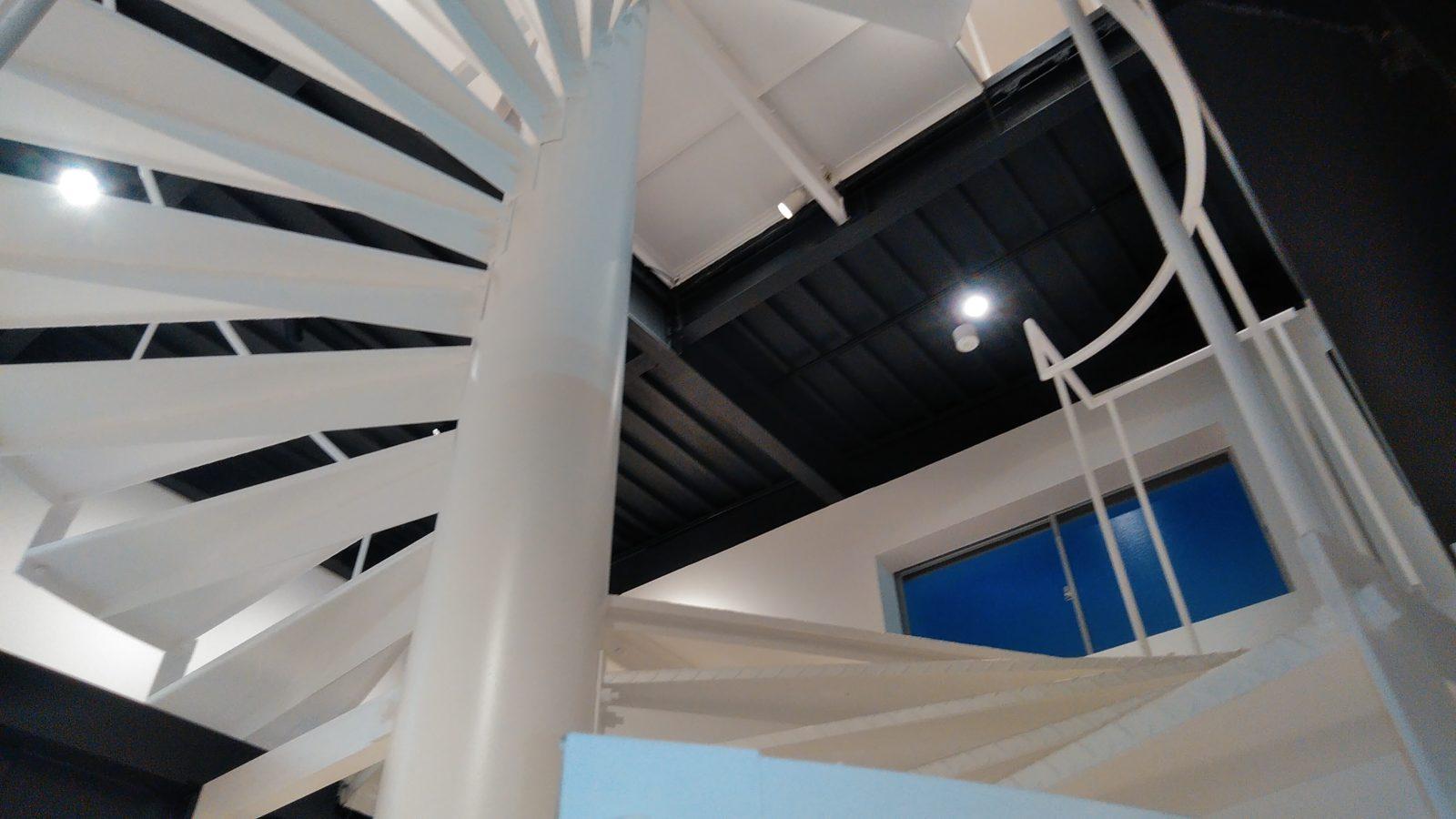 2階踊り場天井