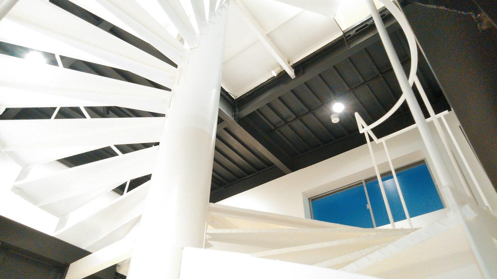 2階踊り場天井2
