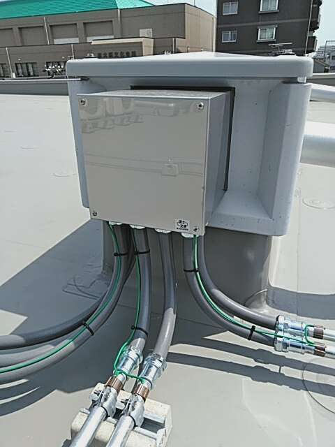 空調電源屋上配管